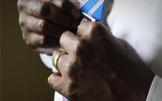 男生戴戒指的含义有哪些(值得收藏)
