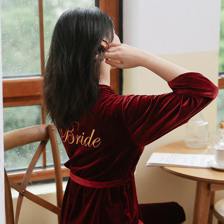 迷人甜美  秋冬款新娘伴娘刺绣晨袍