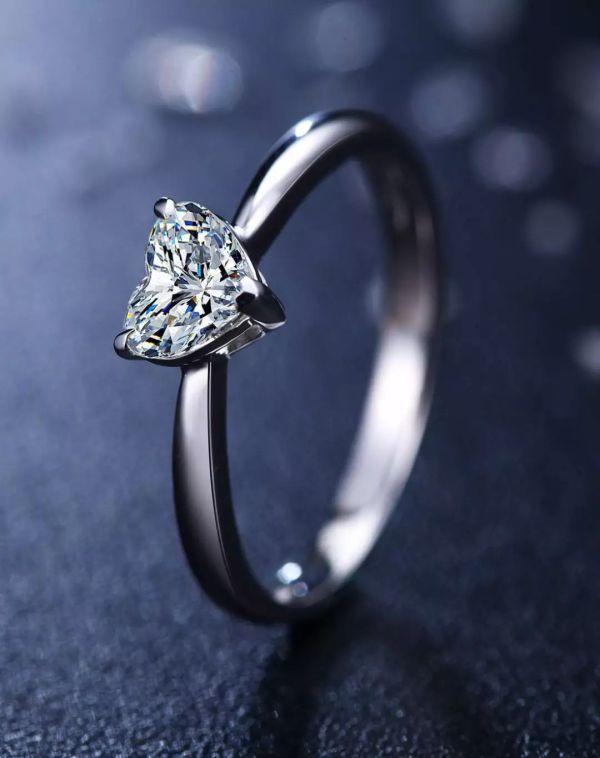 三爪镶戒指