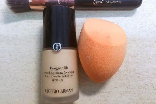 粉底液和美妆蛋