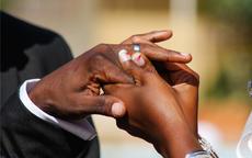 已婚男人戒指带哪个手指