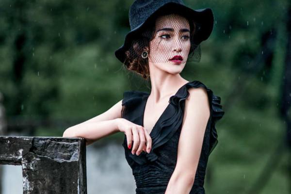 黑色婚纱照