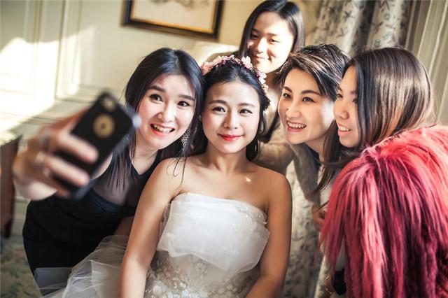 新娘和姐妹团