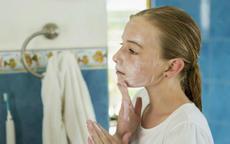 敏感肌护肤品挑选要谨慎 这5种护肤品最好要避开