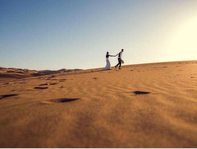 沙漠旅拍结婚照