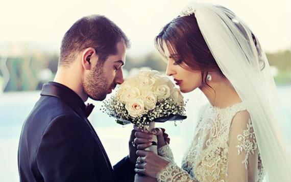 婚宴邀请微信怎么写 婚宴邀请微信范文大全
