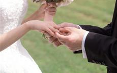 求婚戒指买什么好 款式选择是关键