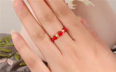 转运珠戒指戴哪个手指