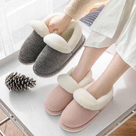 小复古格纹毛绒包跟情侣拖鞋