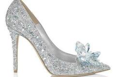奢侈品高跟鞋作为婚鞋好吗 奢侈品婚鞋有哪些选择