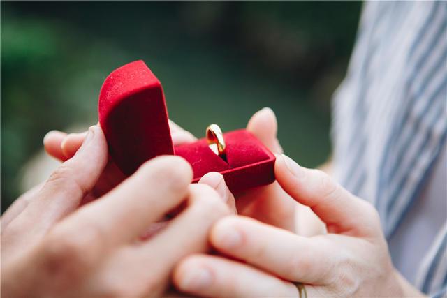 买婚戒的注意事项