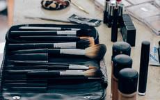粉饼在化妆的哪一个步骤使用