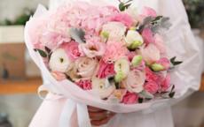 结婚纪念日送什么花给老婆好 送几朵合适