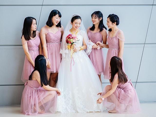 新娘和新娘姐妹