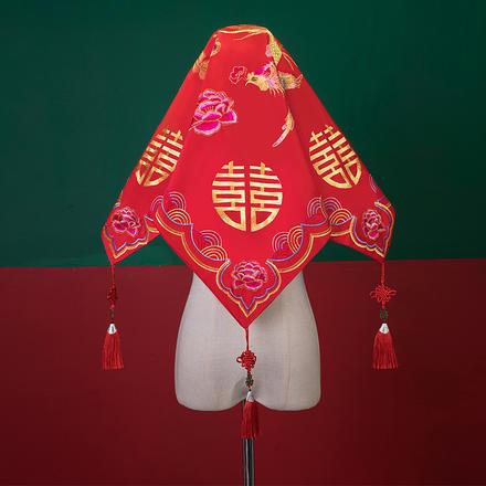 中式刺绣秀禾服红色盖头