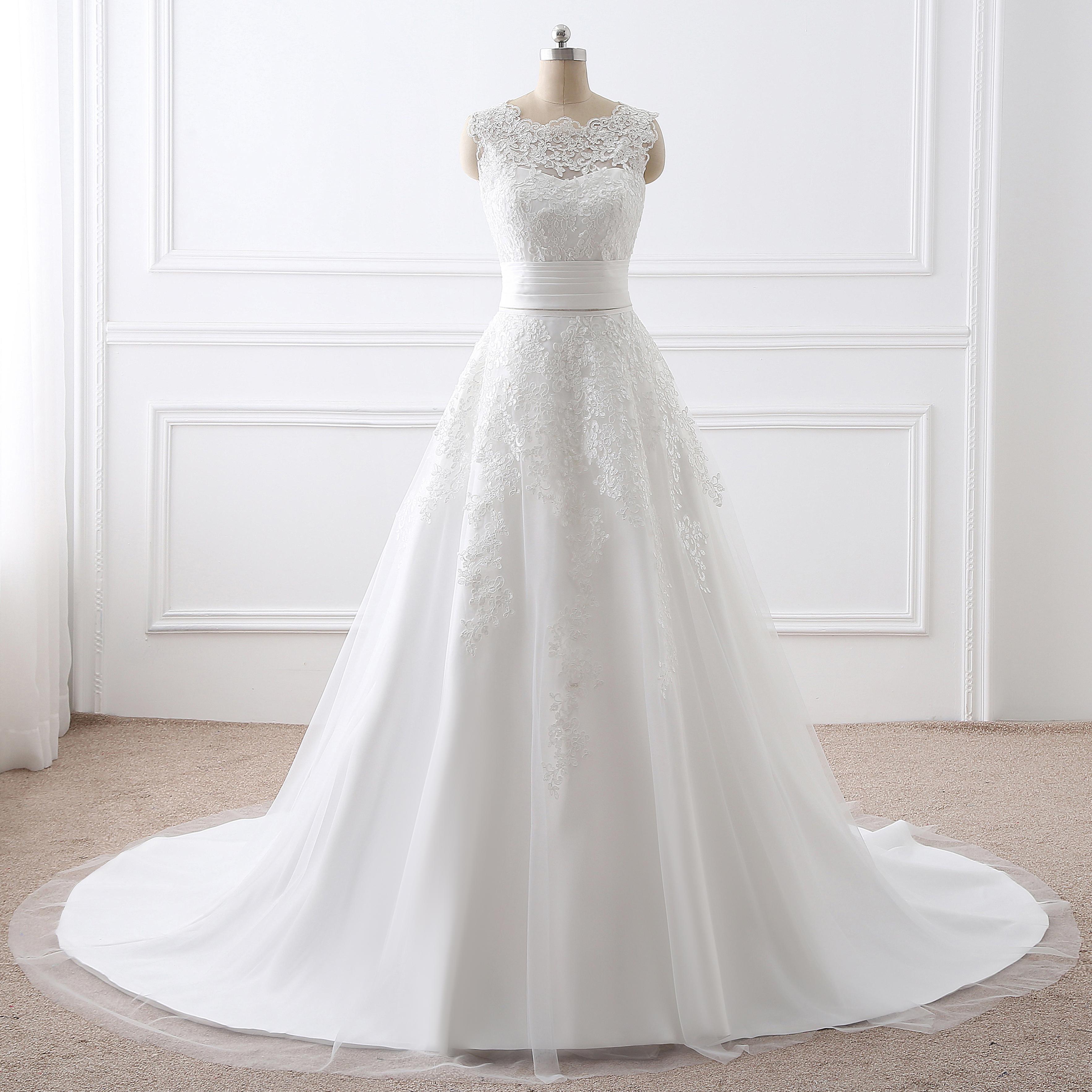 韩式简约圆领拖尾婚纱