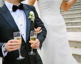 婚礼上的敬酒礼仪 关于敬酒你不得不知道的那些事儿