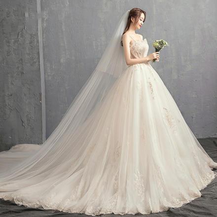 森系简约贝壳吊带婚纱