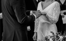 求婚戒指戴哪个手指合适
