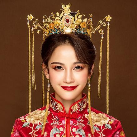 《百年佳偶》中式新娘秀禾服头饰套装