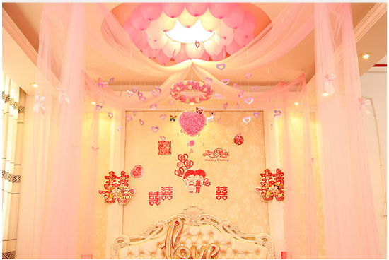 婚房纱幔布置图片