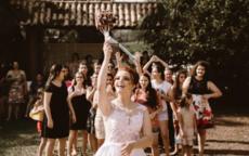 个性婚纱照姿势与表情