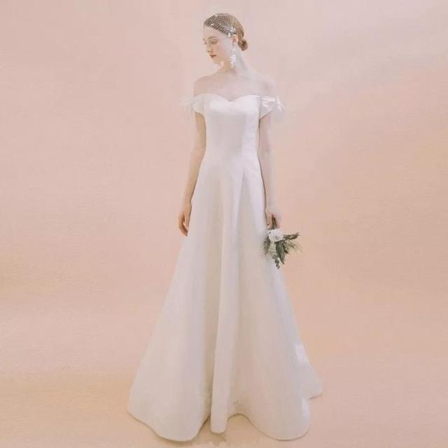 婚礼纪犀选轻婚纱款式