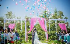 简单气球婚房图片