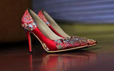 结婚用的鞋子款式推荐 新娘新郎鞋子款式推荐