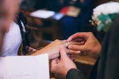 男朋友拿3千的戒指求婚合适吗 一般的钻戒多少钱