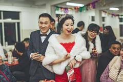 新娘敬酒发型简单大方