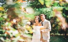 拍婚纱照如何笑?