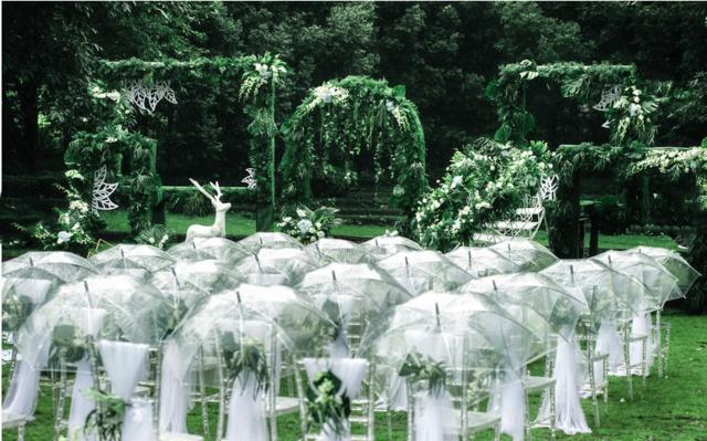 下雨天戶外婚禮應對措施