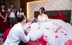 一套婚庆用品多少钱?