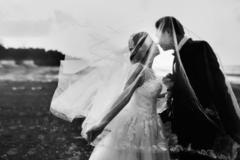 雨天拍婚纱照好看吗? 雨天拍婚纱照适合什么风格