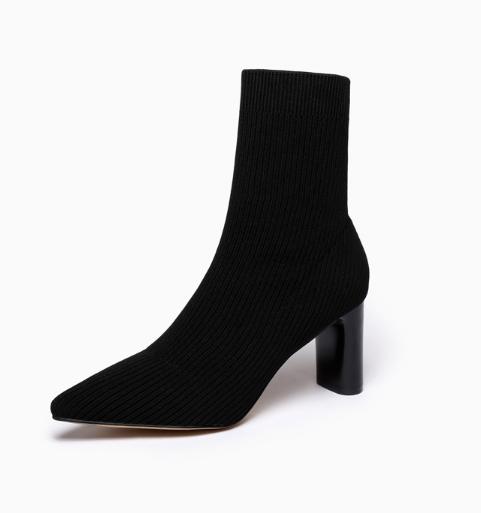 冬季新娘结婚适合的黑色短靴