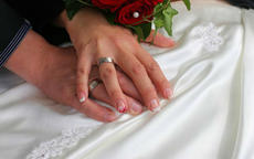 祝福新婚的诗句唯美简短