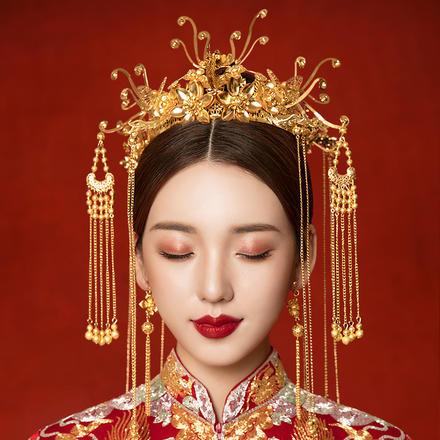 《金色年华》中式新娘秀禾服头饰套装