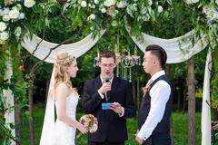 结婚时证婚人发言稿 简单大气证婚人致辞范文