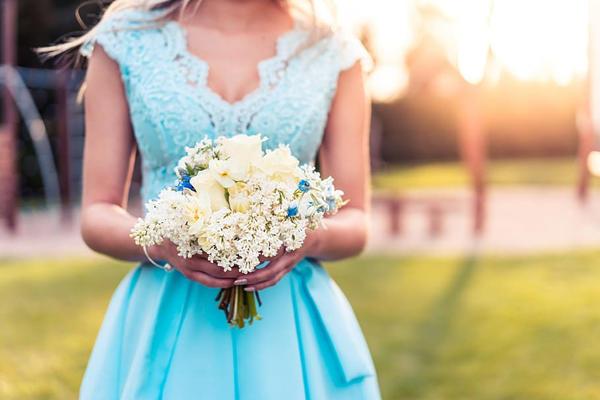 结婚穿蓝色婚纱