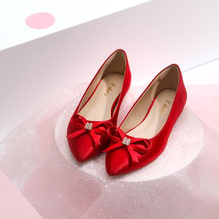 红色缎面蝴蝶结平底新娘婚鞋 孕妇可穿