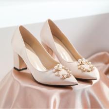旗袍配什么鞋子好看
