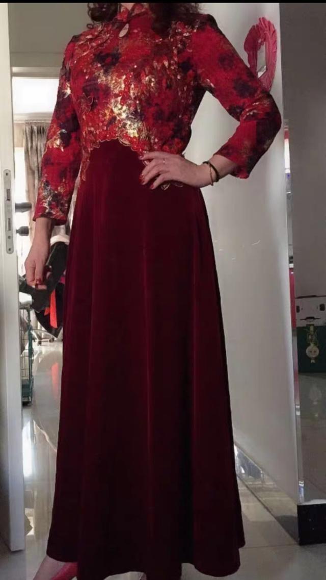 适合妈妈婆婆穿的婚宴礼服品牌款式5