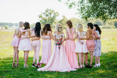 祝福闺蜜结婚的朋友圈 温馨简短结婚祝福语