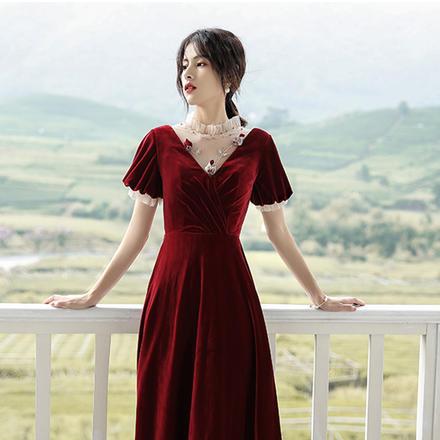 【2月4日陆续发货】《玫瑰物语》抖音秋冬复古高腰丝绒敬酒服