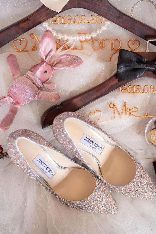 婚礼必拍——新娘衣架特写