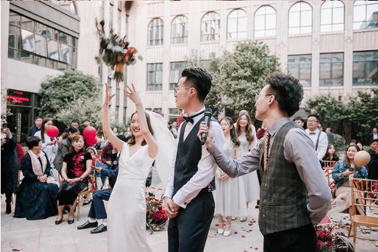 婚礼必拍——扔捧花环节