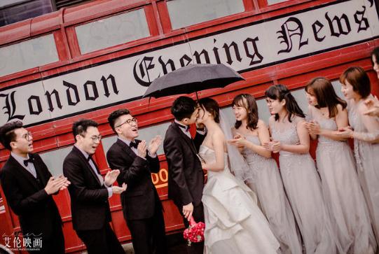 婚礼必拍——新人+伴郎伴娘合影
