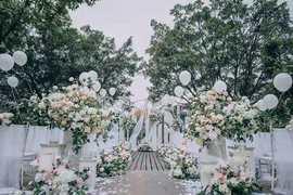 湖畔婚礼场地