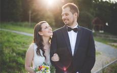 结婚对联怎么贴才正确